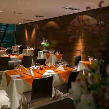 Restaurante Howard Johnson La Cañada Hotel & Suites