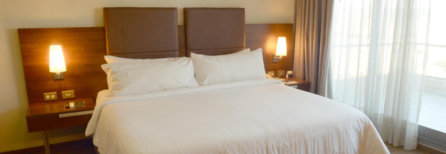 Howard Johnson Hotel & Suites La Cañada - Córdoba -