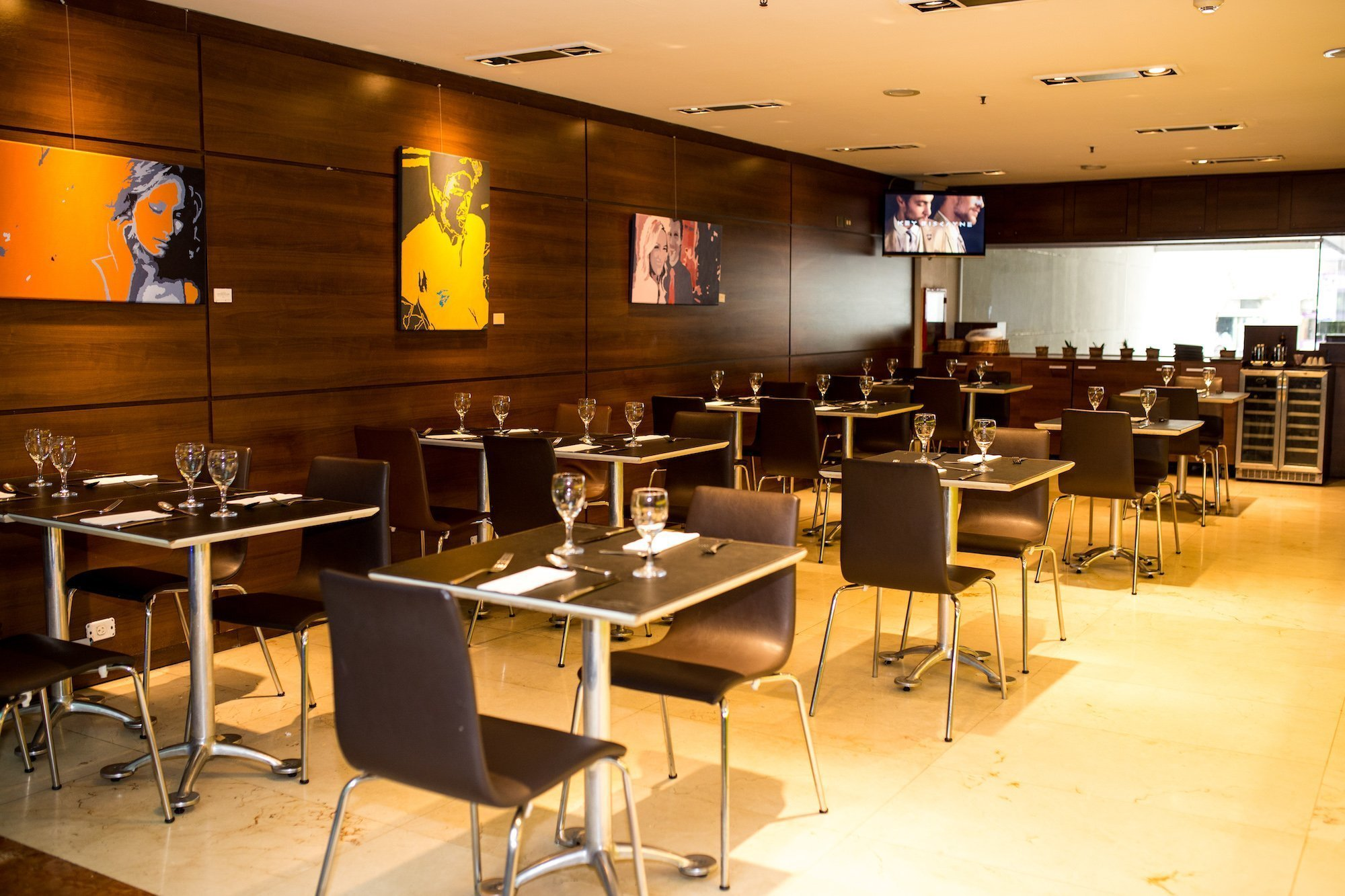Restaurante Howard Johnson Hotel & Suites